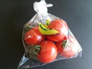 48.中玉トマト
